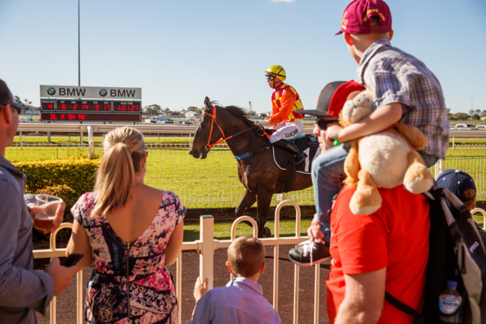 Starlight Family Raceday