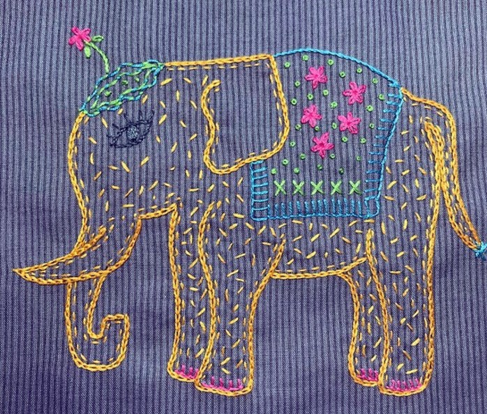 Start Stitching Series Elephant Pencil Roll